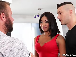 Lala Ivey is a delicious, ebony chick who likes to have threesomes, mostly with white guys ebony cumshot