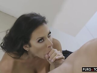 Busty brunette milf, Reagan Foxx would like to have sex with a younger guy, just for fun brunette big tits