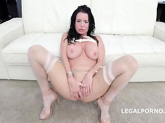 Black guys are fucking Veronica Avluv at the same time and enjoying it so much big tits anal